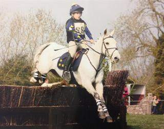 Top Hunting / Eventing / PC Competition Pony